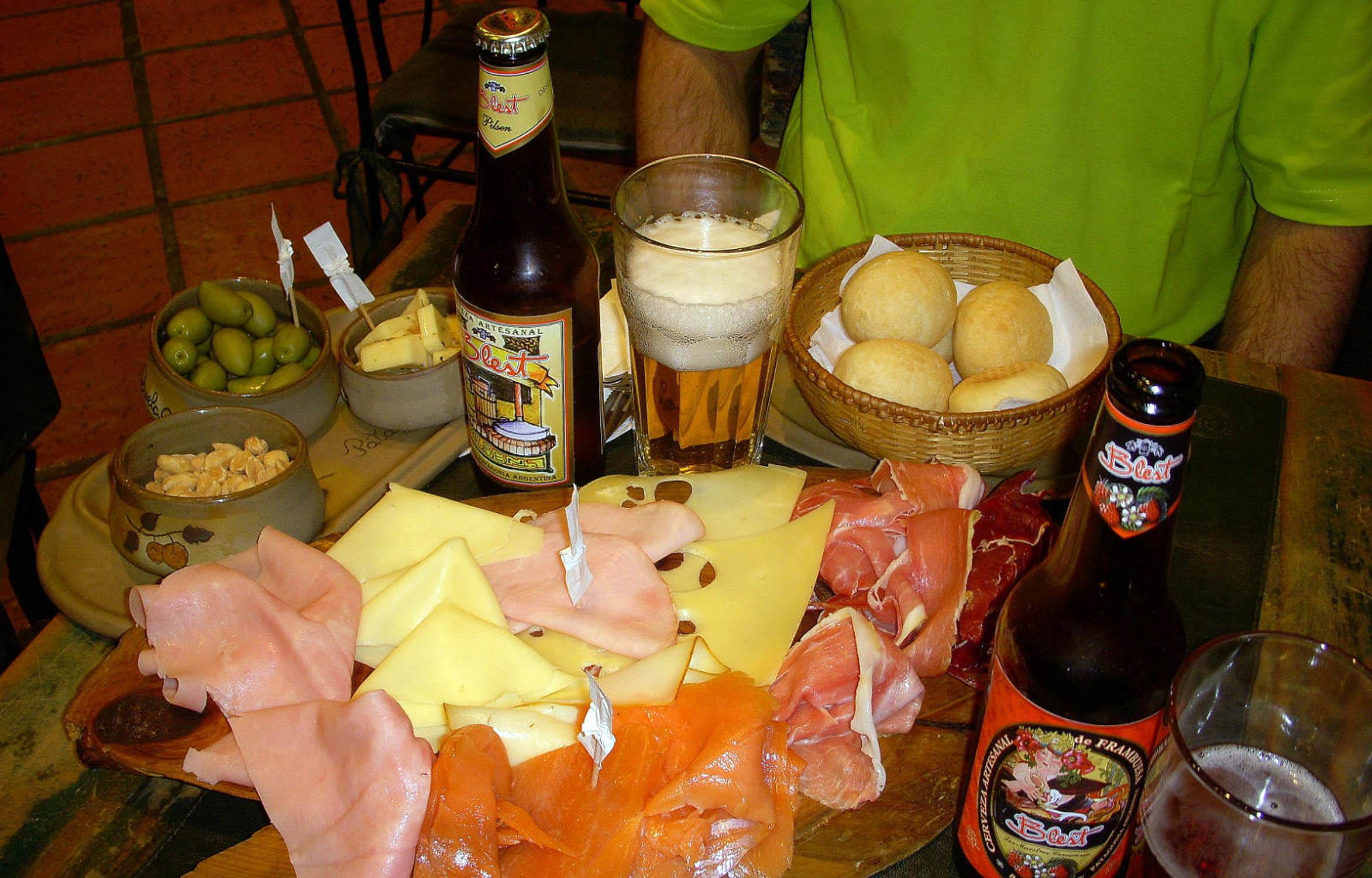 Ca?uelas.- La 4? Fiesta de la Picada y la Cerveza Artesanal se realizar? el pr?ximo s?bado y domingo en el poblado rural de Uribelarrea (sobre el km 82 de la Ruta 205)