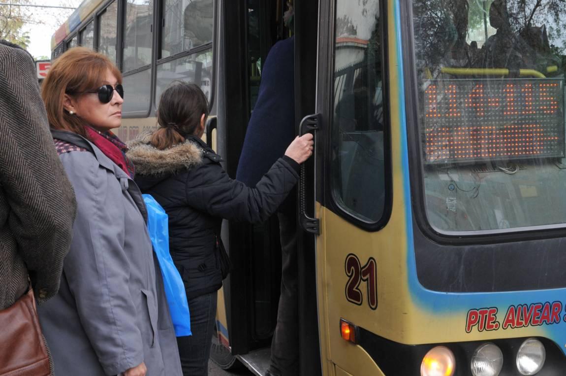 Aumento De Boleto Update: Viajar Para Ir A Trabajar Va A Costar Más Del Doble En El